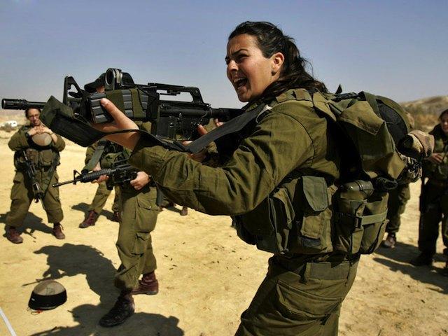İsrail ordusuna katılan binlerce kadın direnişçilere karşı savaşacak