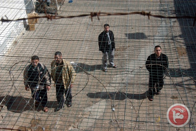 Cinco palestinos detenidos sin juicio ni cargos amenazan con recrudecer su huelga de hambre