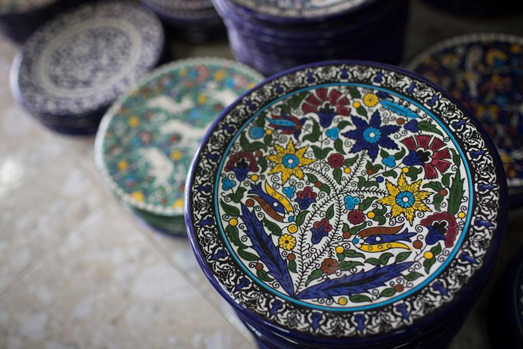 Im genes el creciente arte de la cer mica tradicional palestina - Fotos de ceramica ...