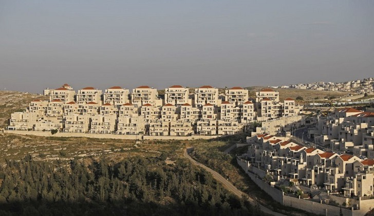 Nuevamente, la UE critica la construcción de más de 800 viviendas israelíes ilegales en Jerusalén Ocupada