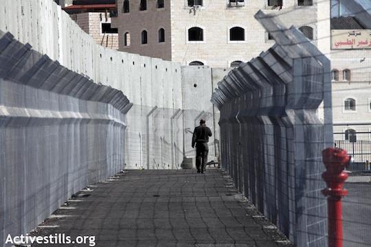 Jerusalén, una ciudad de pobreza y división