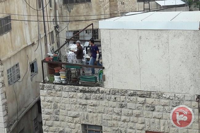 Colonos de Hebrón roban muebles de madera de casa palestina | CSCAblog