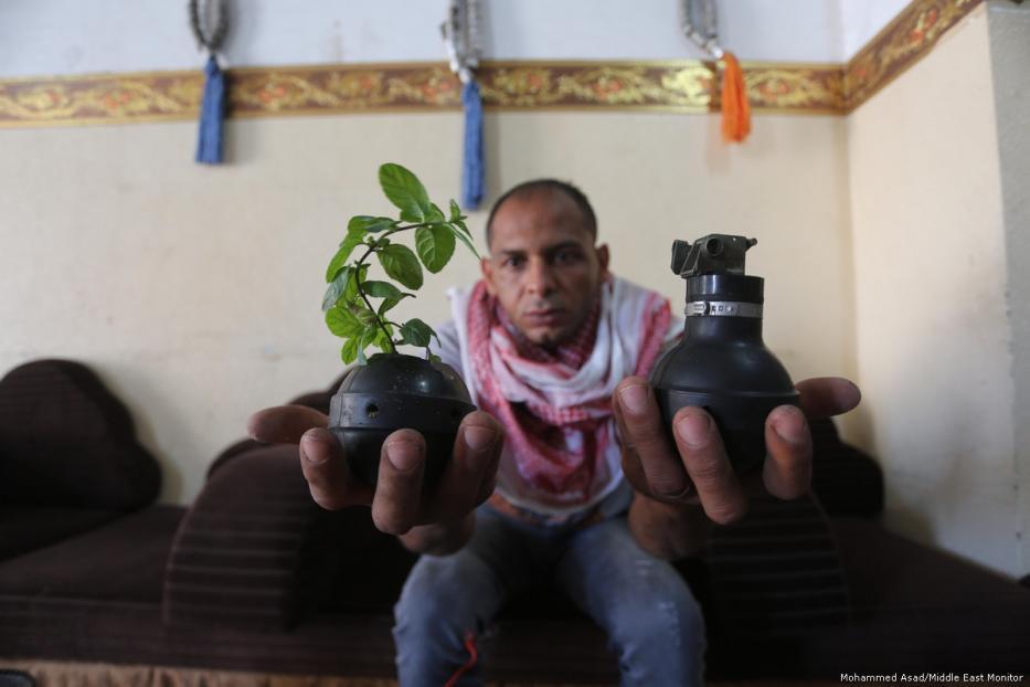 69540h - Los palestinos usan las armas y municiones de Israel para sembrar la paz