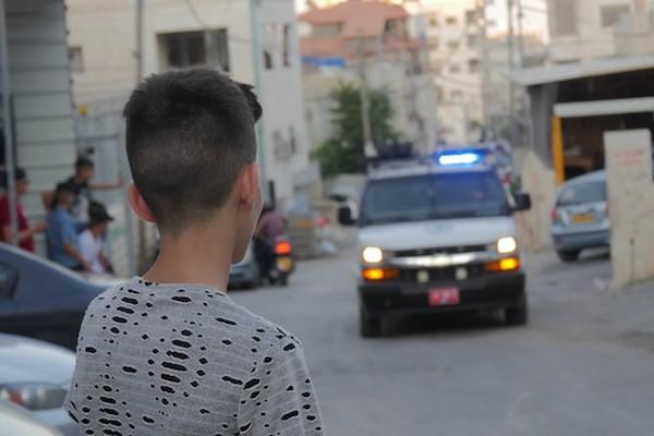 En un barrio de Jerusalén Este, las vacaciones de verano se han convertido en una zona de guerra.