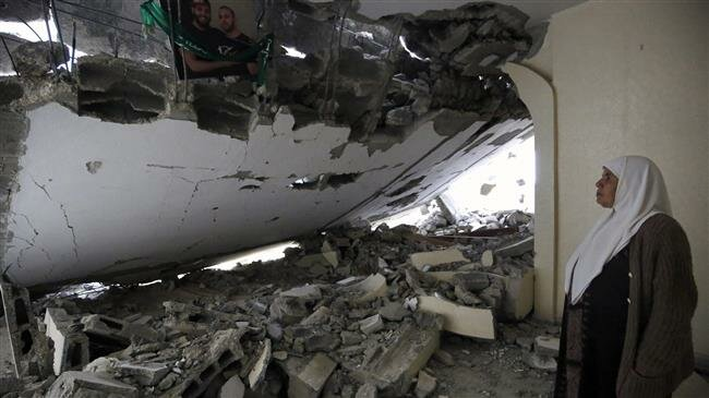 Israel destruye 3 hogares palestinos y arresta a 10 personas