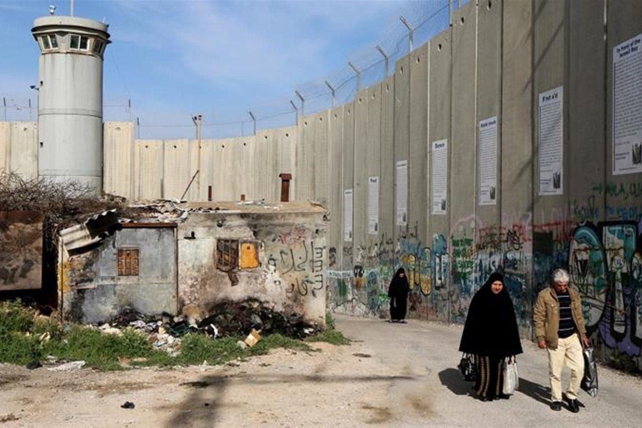 Joven israelí que se opuso al servicio militar para no reprimir al pueblo palestino dedica una canción a Chile