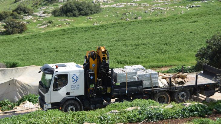 Durante la crisis del coronavirus, Israel confisca las carpas designadas para la clínica en el norte de Cisjordania