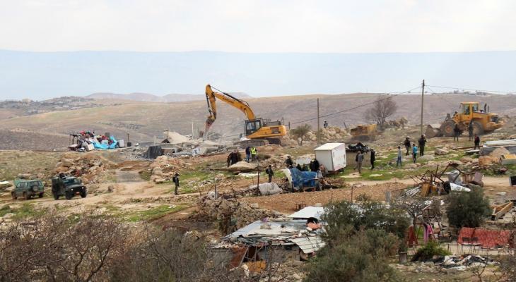 Mas usurpaciones: Colonos sionistas con apoyo militar israelí asaltan tierras de la localidad de Baqaa, al este de Hebrón