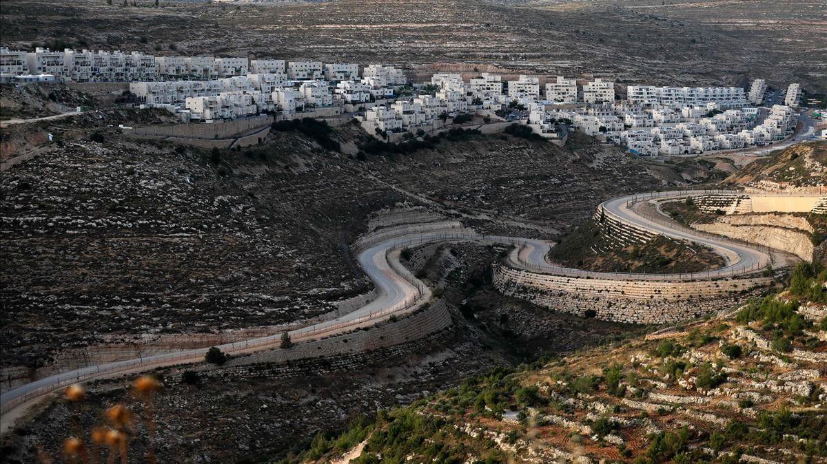 Usurpación, anexión e ilegalidad: Autopistas hacia la anexión israelí de Cisjordania ocupada