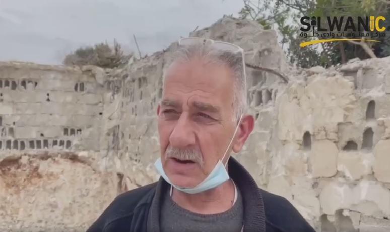 Otro palestino de Jerusalén ocupada es obligado a demoler su propia vivienda para evitar fuertes multas y costos israelíes de demolición
